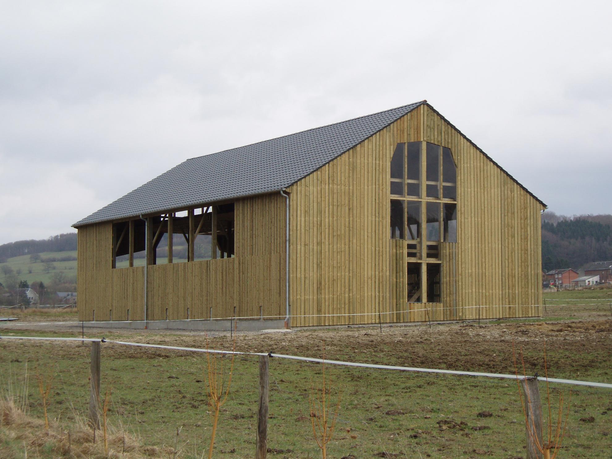 constructeur batiment hangar agricole et table en bois havelange province namur belgique